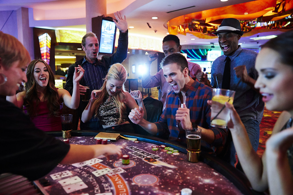 mystic lake casino table games