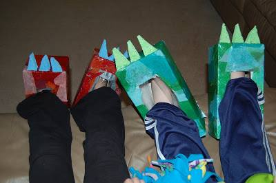 January Kids Kraft: DINO FEET